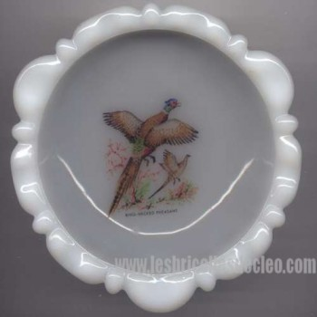 Vintage milkglass ashtray ring necked pheasant