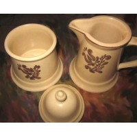 picture-Village-sugar-bowl-creamer-3