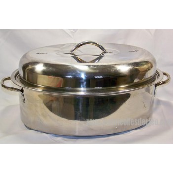 Stainless steel roasting pan with grill