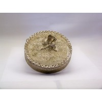 picture-round-gold-filigree-trinket-box-3